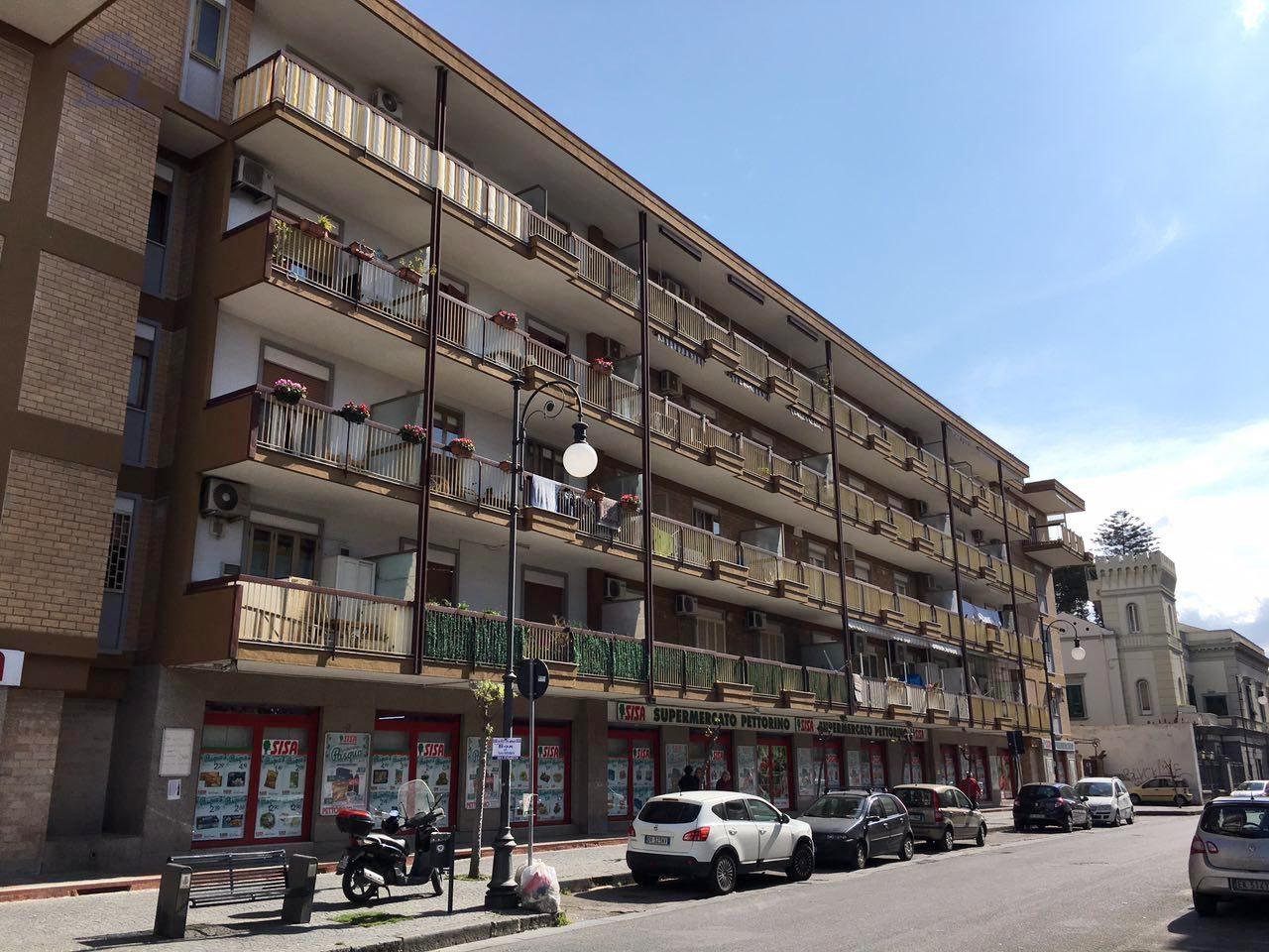 Appartamento in vendita a Torre Annunziata, 2 locali, zona Località: nord, prezzo € 190.000 | Cambio Casa.it