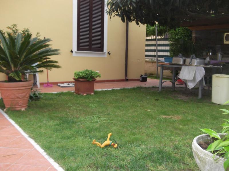 Soluzione Semindipendente in affitto a Massa, 2 locali, Trattative riservate | Cambio Casa.it