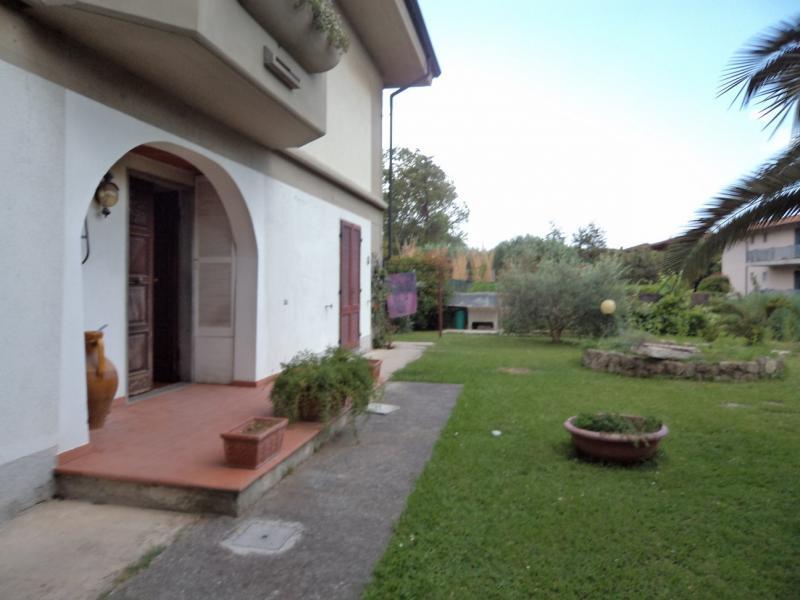 Appartamento in affitto a Massa, 4 locali, zona Località: MarinadiMassa, Trattative riservate | Cambio Casa.it