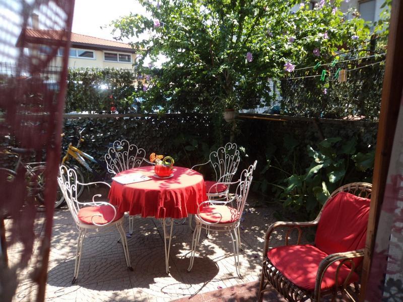 Soluzione Indipendente in affitto a Massa, 4 locali, zona Località: MarinadiMassa, Trattative riservate | Cambio Casa.it