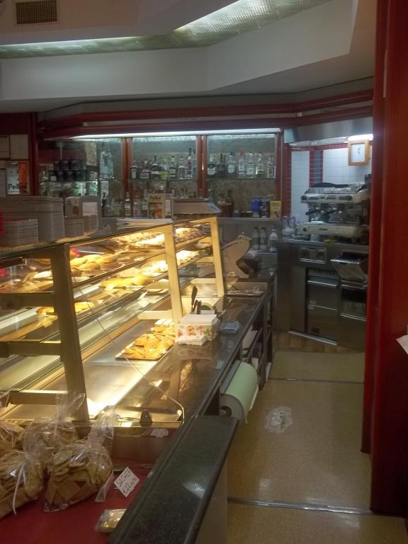 Negozio / Locale in vendita a Carrara, 9999 locali, zona Zona: Avenza, prezzo € 170.000 | Cambio Casa.it