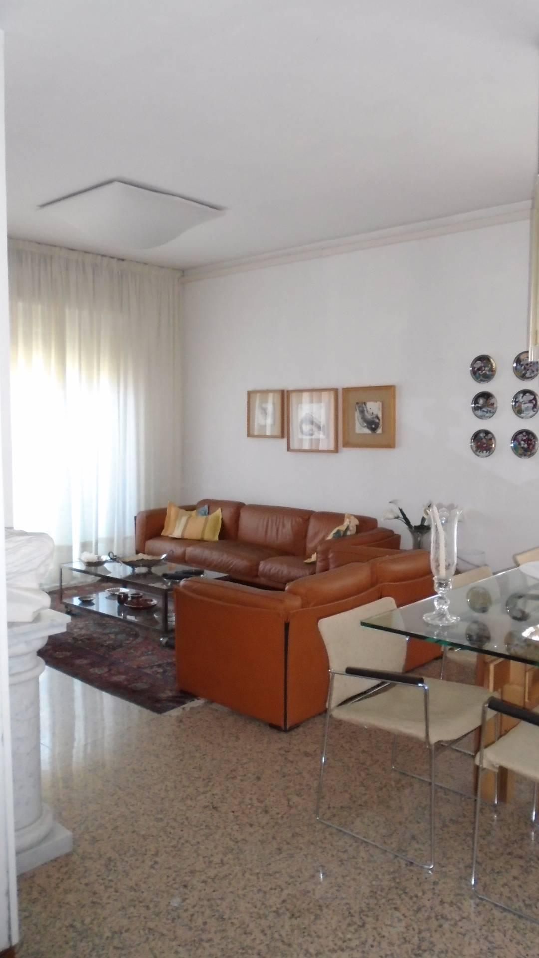 vendita appartamento carrara marina di carrara  260000 euro  6 locali  120 mq