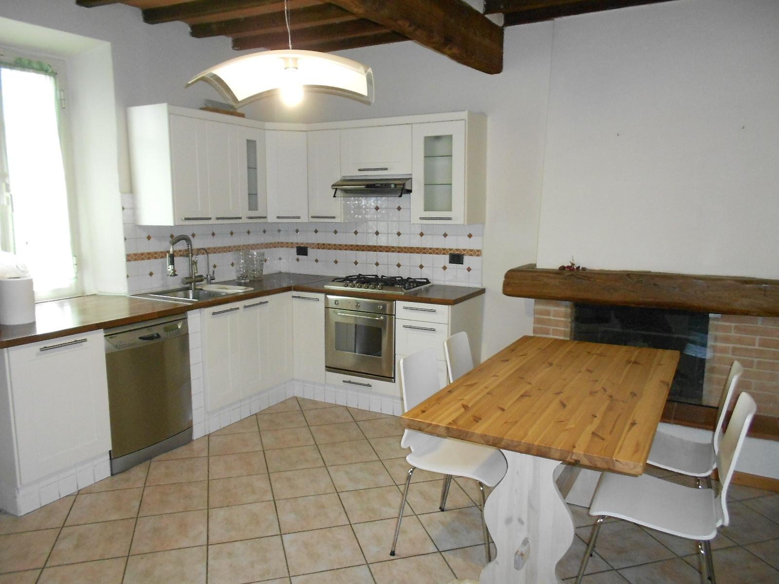 vendita appartamento seravezza querceta  280000 euro  6 locali  80 mq