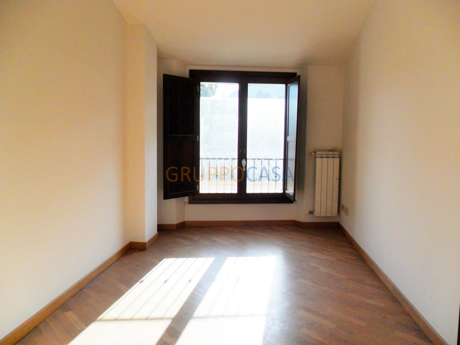 Appartamento in affitto a Pescia, 4 locali, zona Località: Centro, prezzo € 540 | Cambio Casa.it
