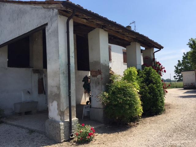 Negozio / Locale in vendita a Marcaria, 5 locali, zona taletto, prezzo € 105.000 | PortaleAgenzieImmobiliari.it