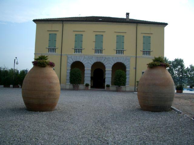 Villa in vendita a Goito, 8 locali, zona Zona: Sacca, prezzo € 1.400.000 | CambioCasa.it