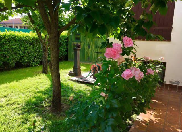 Villa in vendita a Curtatone, 10 locali, zona Zona: Levata, prezzo € 649.000 | CambioCasa.it