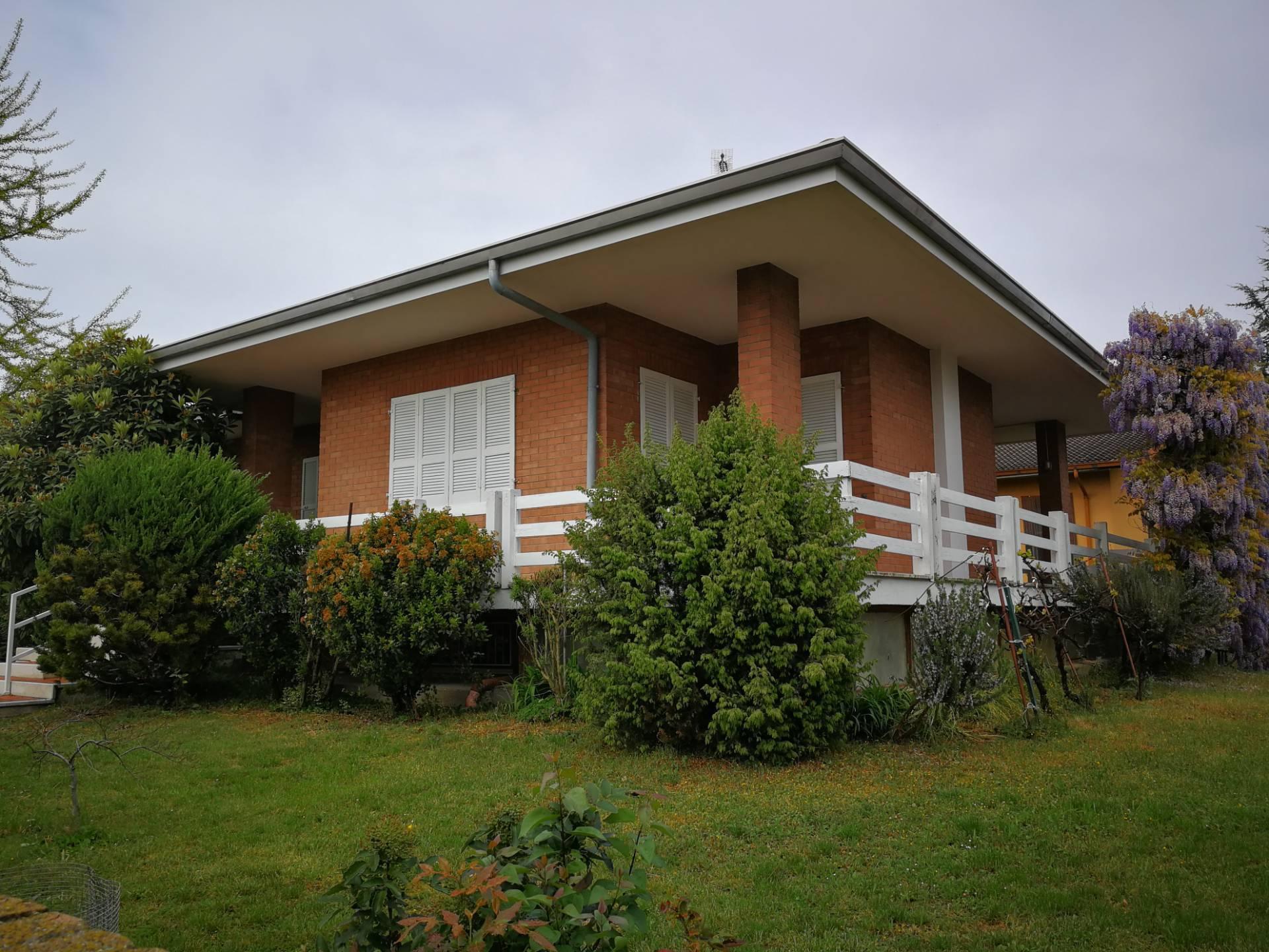 Villa in vendita a Curtatone, 7 locali, zona Zona: Levata, prezzo € 315.000 | CambioCasa.it