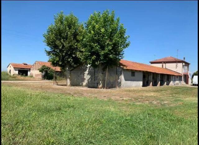 Negozio / Locale in vendita a Sustinente, 20 locali, prezzo € 135.000 | CambioCasa.it