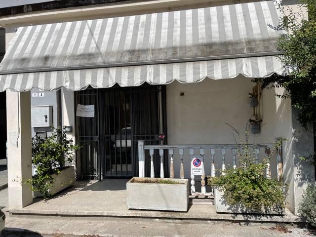 Ufficio / Studio in affitto a Mantova, 9999 locali, zona Zona: Cittadella, prezzo € 500   CambioCasa.it