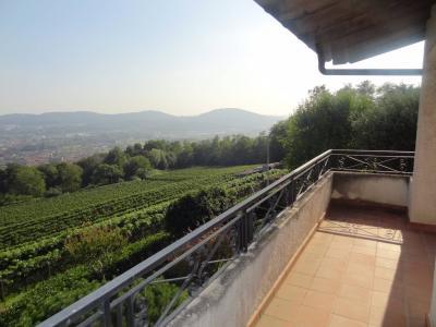 Casa / Villa in Vendita a Besazio