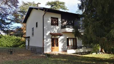 House / Villa for Sale in Ramponio Verna