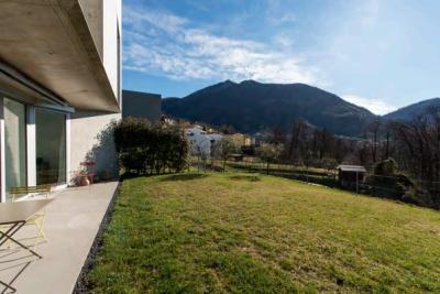 Appartamento con giardino in Vendita a Canobbio