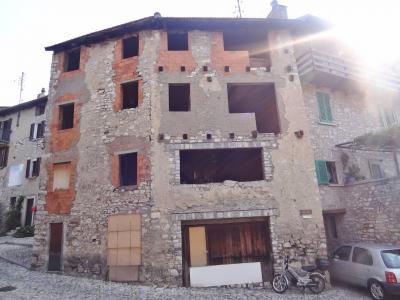 Casa / Villa plurifamiliare in Vendita a Lugano