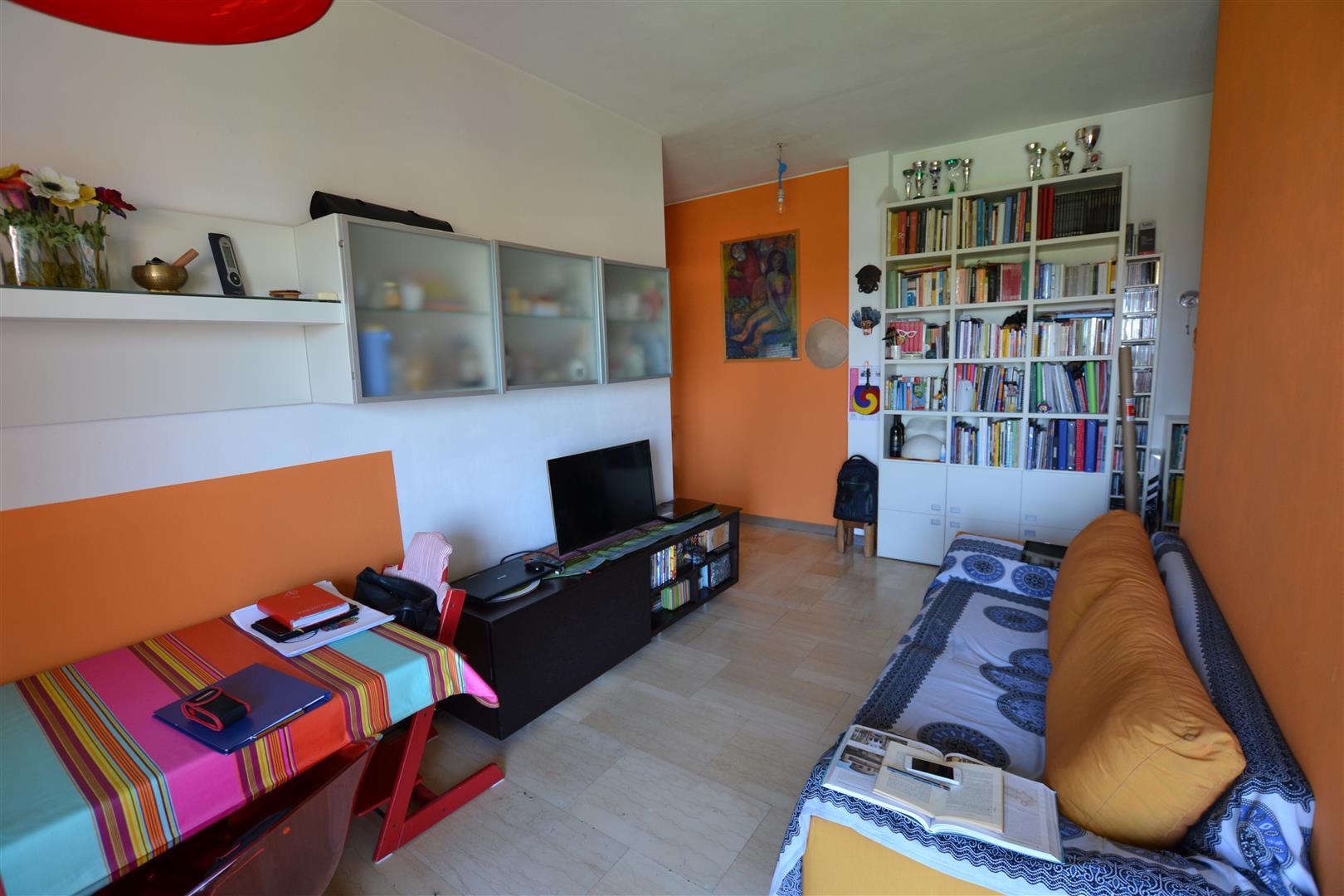 Cologno Monzese | Appartamento in Vendita in via arosio | lacasadimilano.it