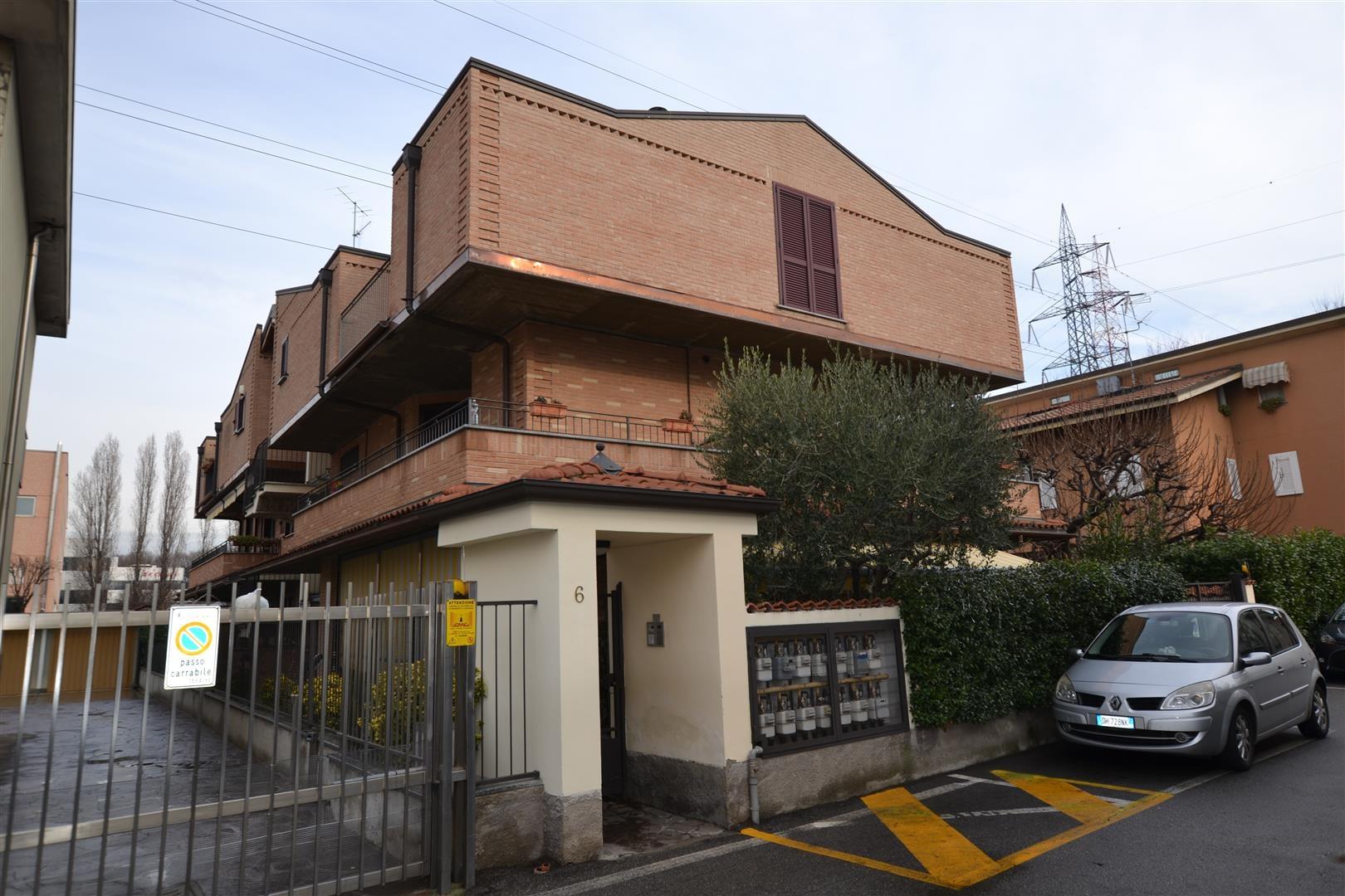 Cologno Monzese | Appartamento in Vendita in via greppi | lacasadimilano.it