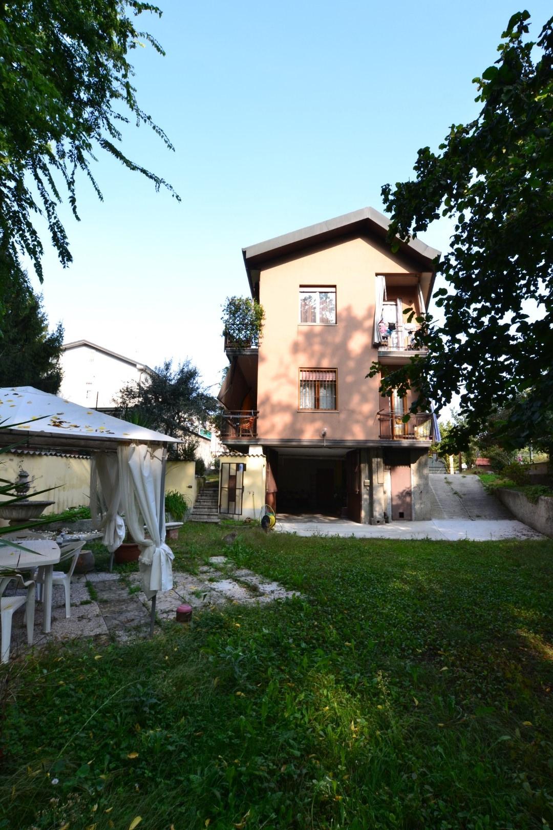 Agenzie Immobiliari Cologno Monzese villa in vendita a cologno monzese cod. 487