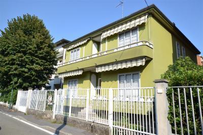 Villa Bifamiliare in Vendita a Cologno Monzese