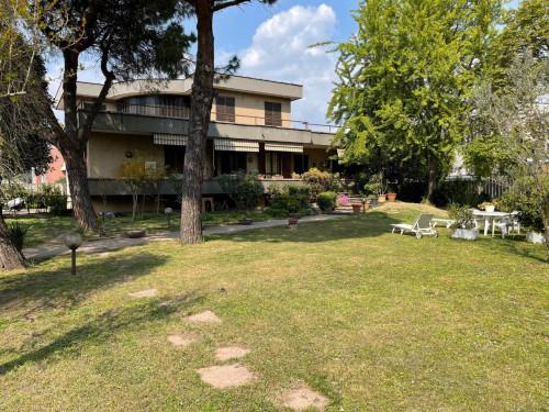 Villa in Vendita a Cologno Monzese