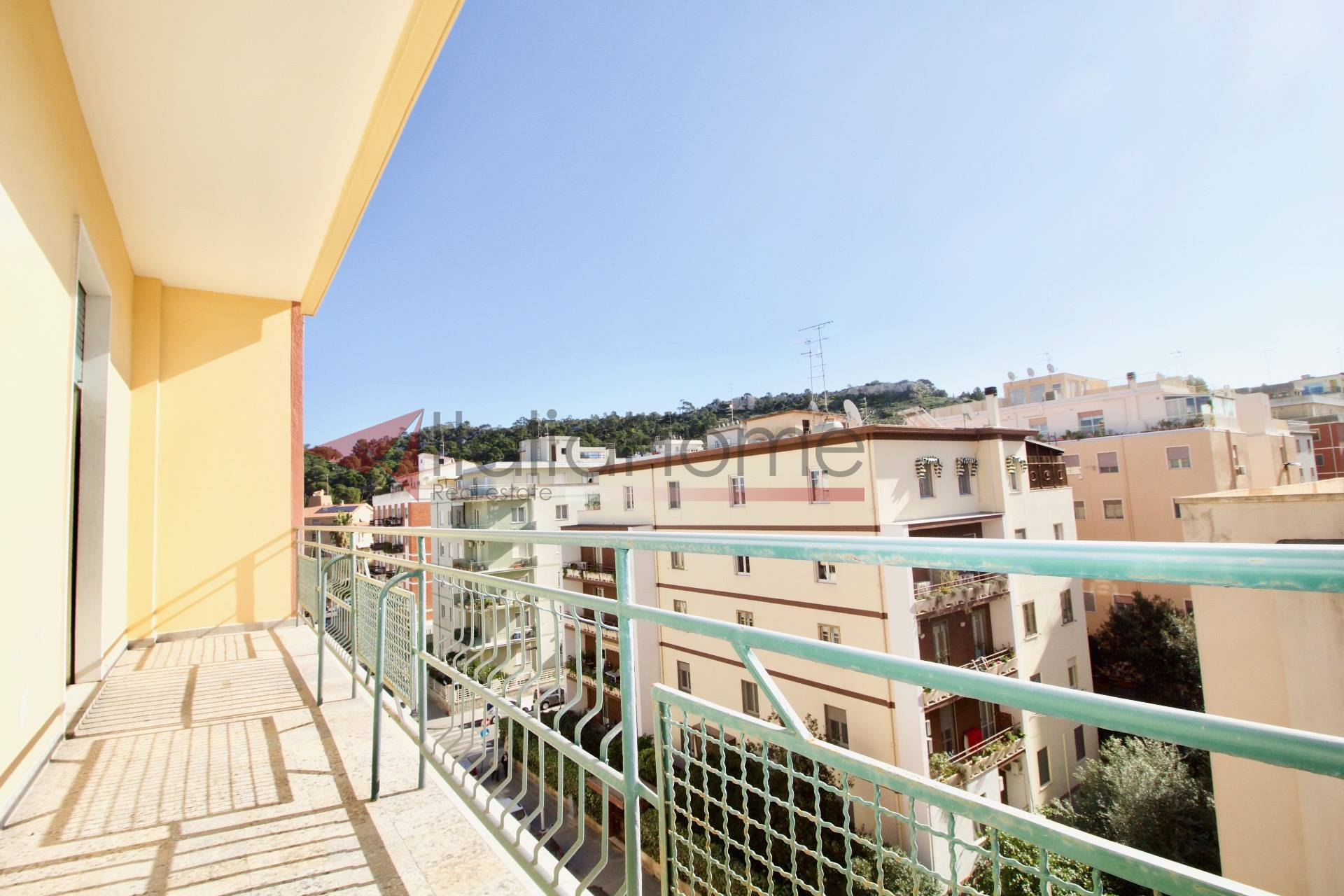 Appartamento, 210 Mq, Vendita - Cagliari (Cagliari)