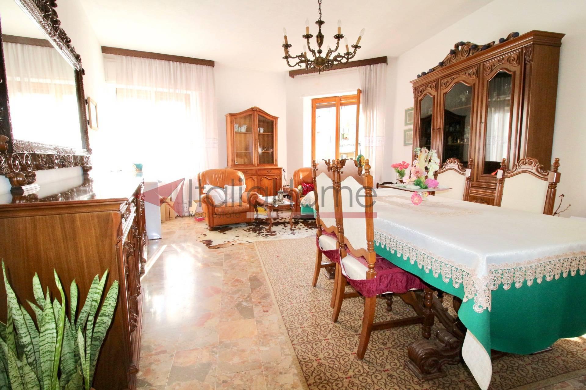 Appartamento, 156 Mq, Vendita - Cagliari (Cagliari)