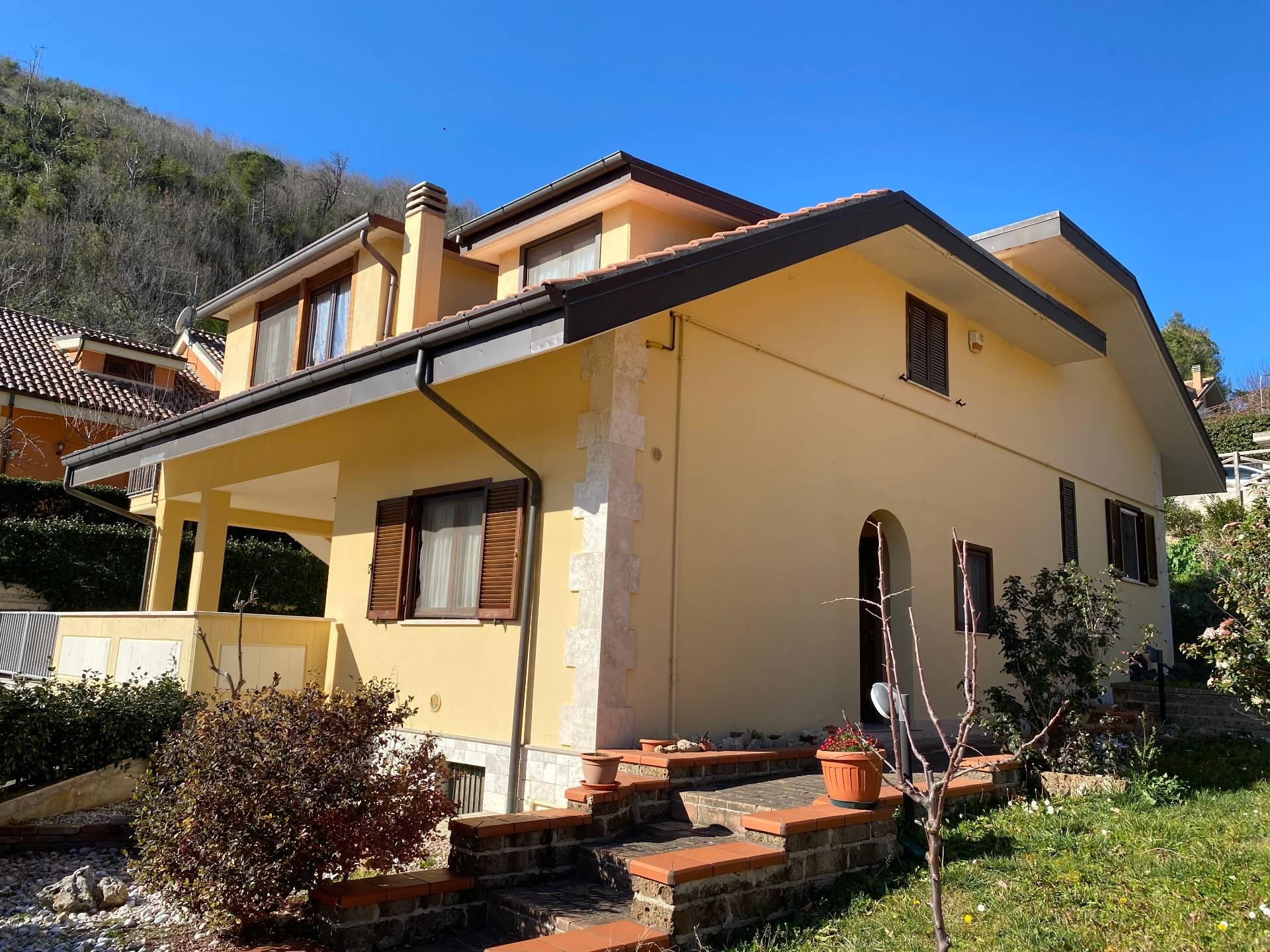 Villa in vendita a Ascoli Piceno (AP)