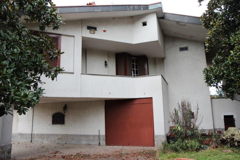 Villa in vendita a Trezzano sul Naviglio, 6 locali, zona Località: Rocchetta, prezzo € 850.000   CambioCasa.it