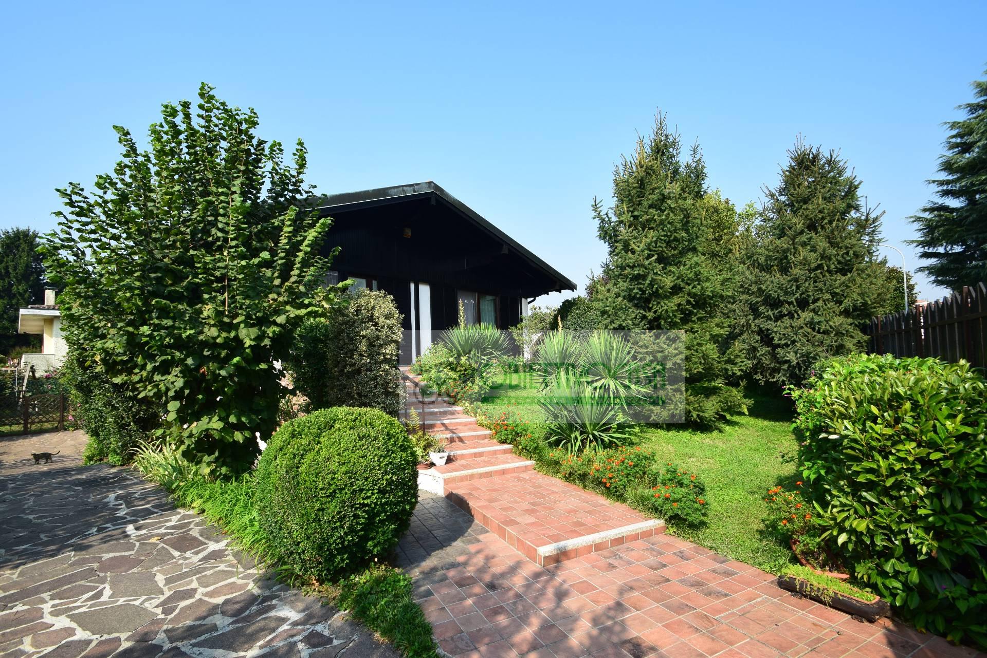Villa in vendita a Trezzano sul Naviglio, 5 locali, zona Località: Morona, prezzo € 460.000   CambioCasa.it