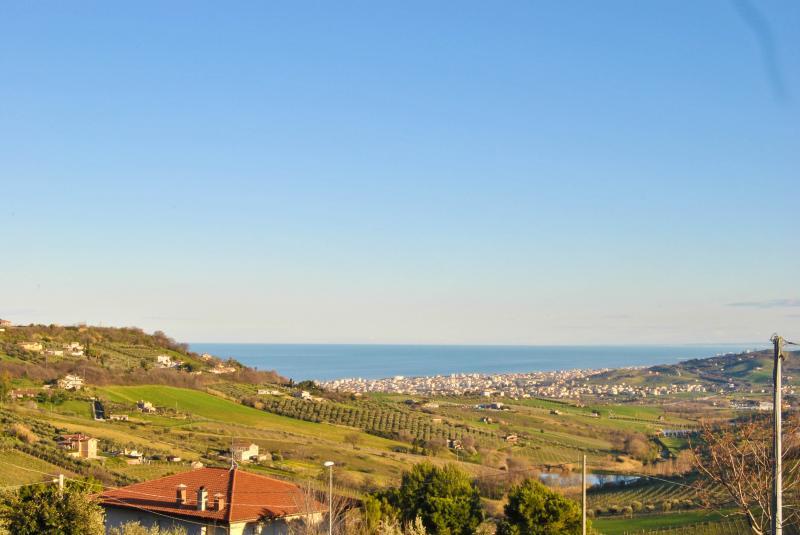 Villa in vendita a Colonnella, 5 locali, prezzo € 290.000 | Cambio Casa.it