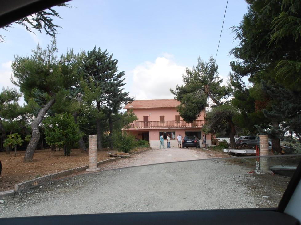 Rustico / Casale in vendita a Ripatransone, 8 locali, prezzo € 180.000 | CambioCasa.it