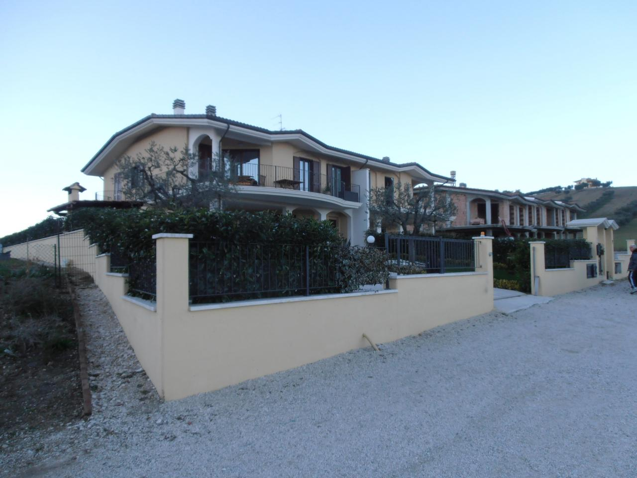 Villa a Schiera in Vendita a Sant'Egidio alla Vibrata