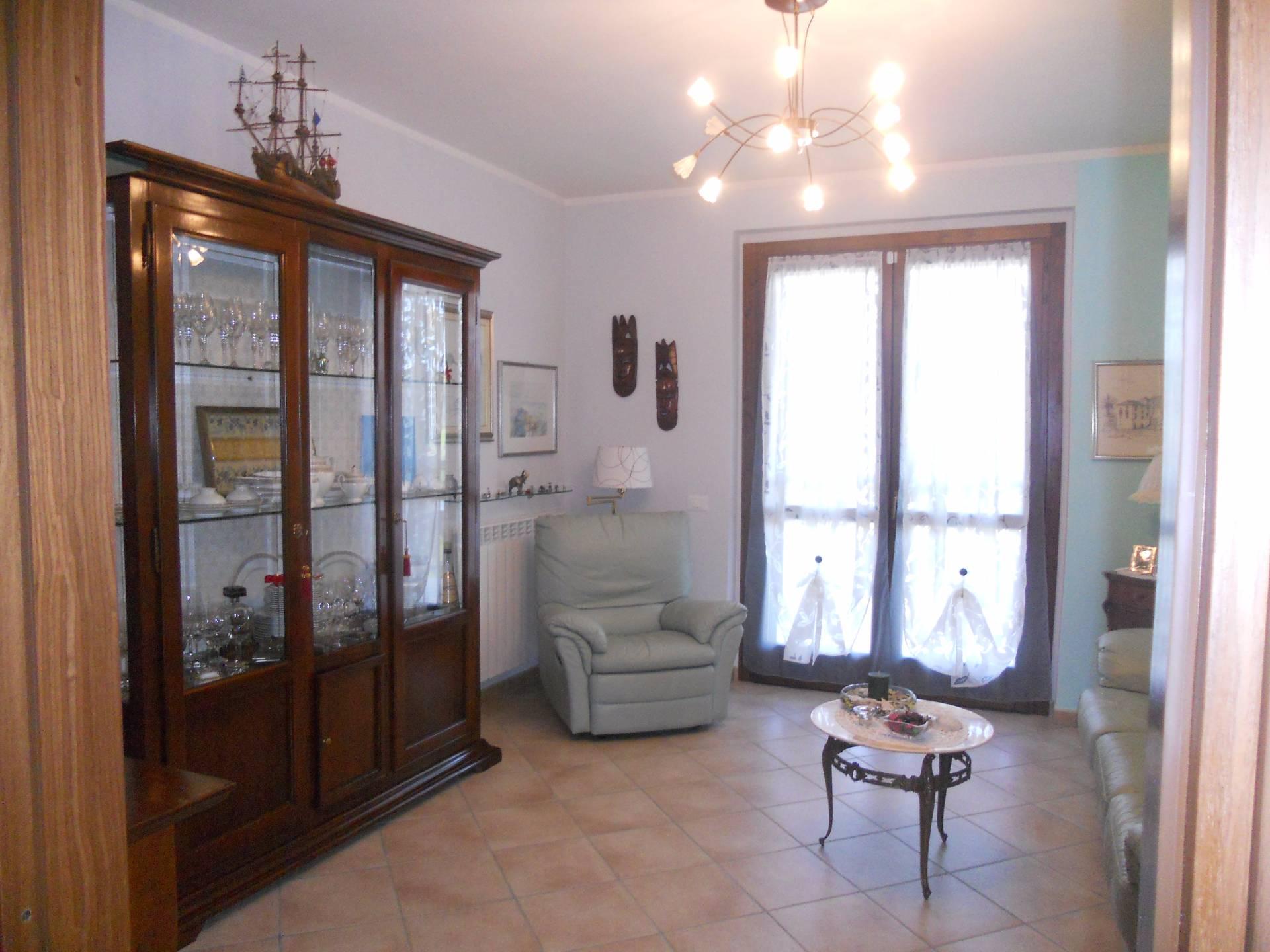 Appartamento in vendita a Cupra Marittima, 4 locali, prezzo € 190.000   Cambio Casa.it