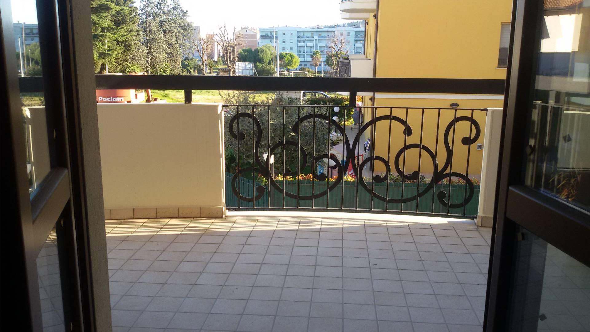 vendita appartamento san benedetto del tronto porto d'ascoli  155000 euro  3 locali  72 mq