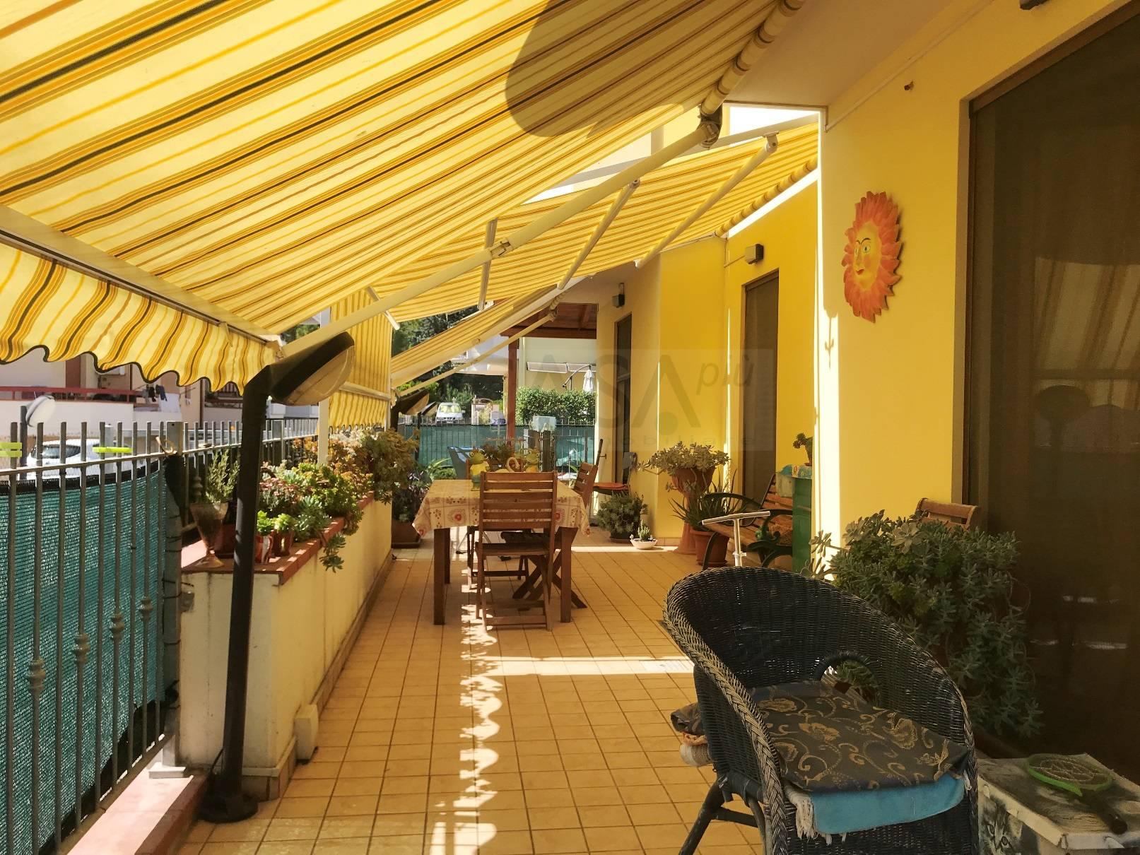 Appartamento in vendita a Monteprandone, 6 locali, zona Zona: Centobuchi, prezzo € 200.000 | CambioCasa.it
