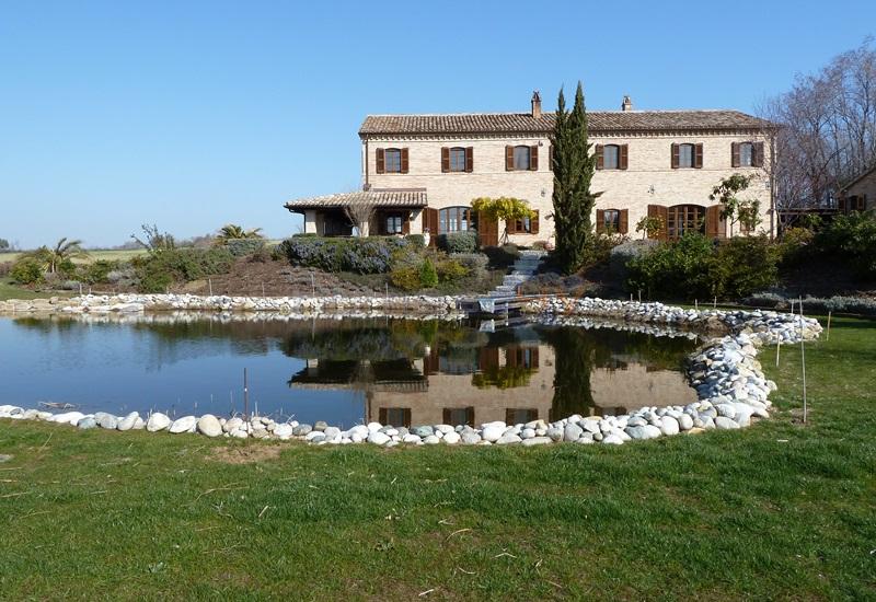 Villa in Vendita a San Costanzo