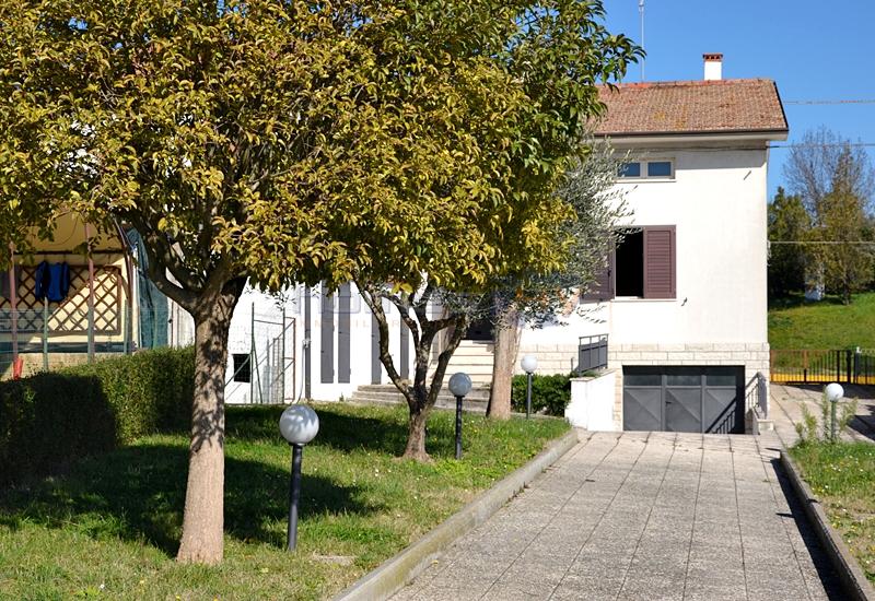 Villa a Schiera in Vendita a Orciano di Pesaro