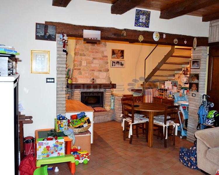 Villa a Schiera in Vendita a Mombaroccio