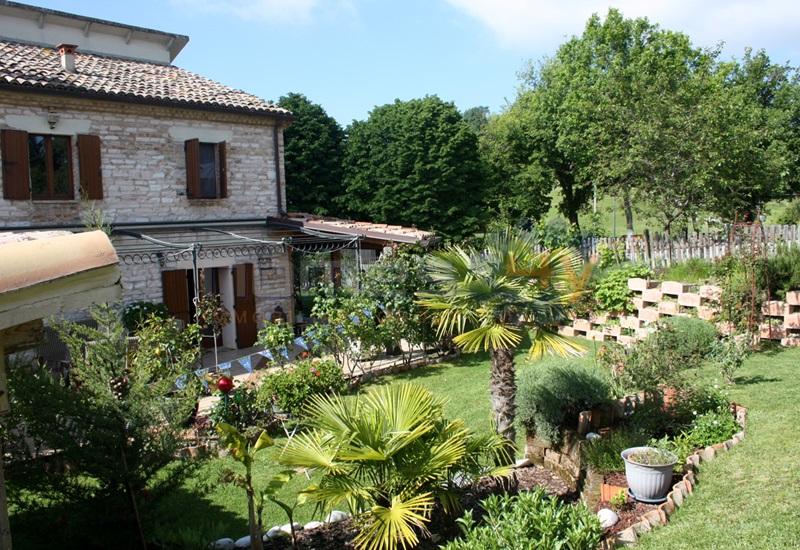 Soluzione Indipendente in vendita a Isola del Piano, 4 locali, prezzo € 265.000 | Cambio Casa.it