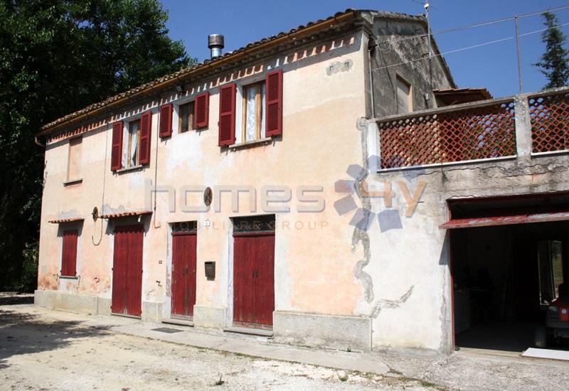 Rustico / Casale in vendita a Corinaldo, 8 locali, zona Località: MadonnadelPiano, prezzo € 245.000 | Cambio Casa.it
