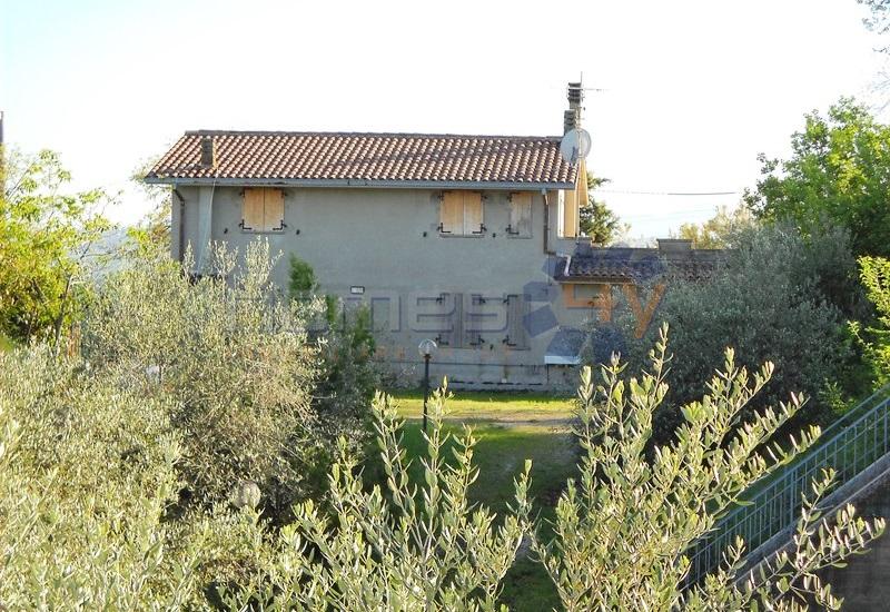 Soluzione Indipendente in vendita a Montemaggiore al Metauro, 6 locali, prezzo € 160.000 | Cambio Casa.it