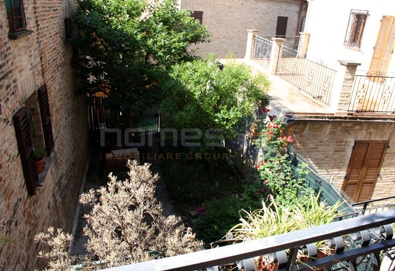 Appartamento in vendita a Mondavio, 4 locali, prezzo € 240.000 | CambioCasa.it