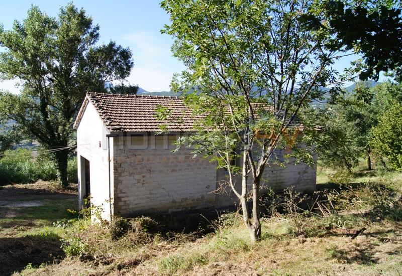 Rustico / Casale in Vendita a Serra San Quirico
