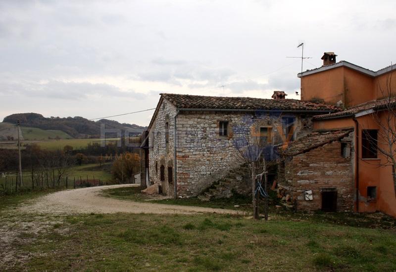 Rustico / Casale in vendita a Sassoferrato, 11 locali, prezzo € 600.000 | Cambio Casa.it