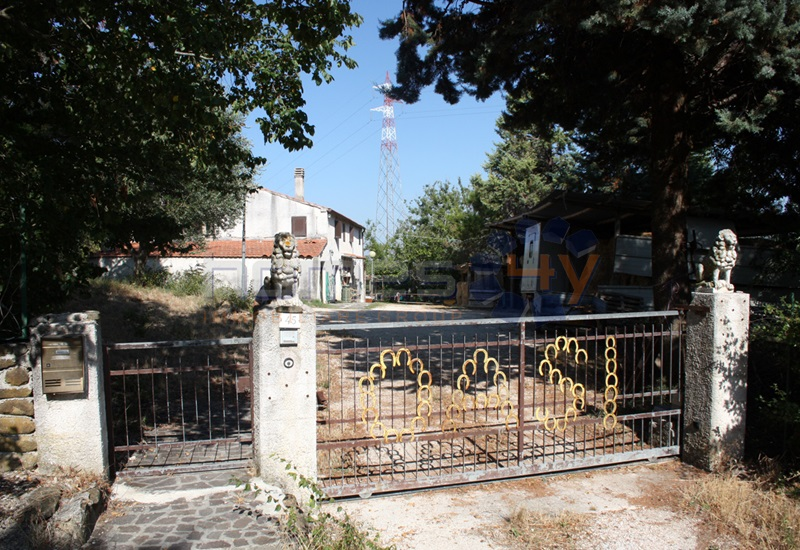 Rustico / Casale in vendita a San Lorenzo in Campo, 11 locali, prezzo € 150.000 | Cambio Casa.it