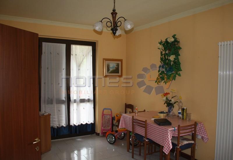 Soluzione Indipendente in vendita a Barchi, 8 locali, prezzo € 310.000 | Cambio Casa.it