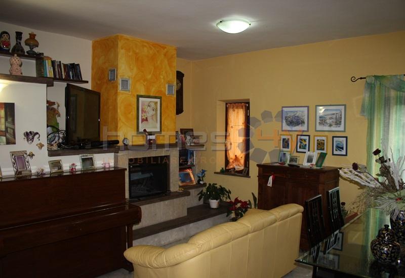 Soluzione Indipendente in vendita a Sassoferrato, 7 locali, prezzo € 299.000 | Cambio Casa.it