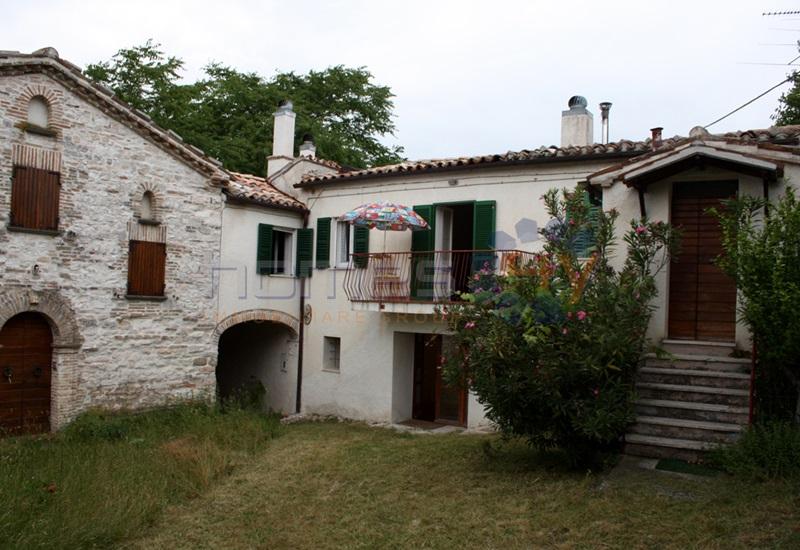 Villa a Schiera in Vendita a Arcevia