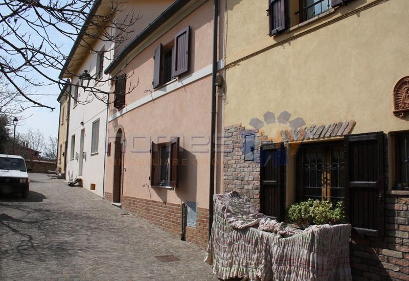 Villa a Schiera in vendita a Piagge, 6 locali, prezzo € 130.000 | Cambio Casa.it