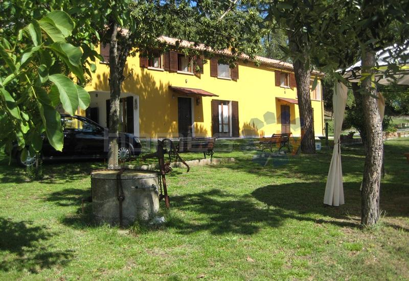 Rustico / Casale in vendita a Monte Porzio, 10 locali, prezzo € 320.000 | Cambio Casa.it
