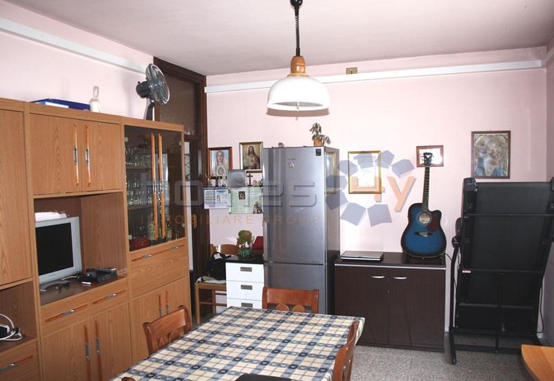 Appartamento in vendita a San Giorgio di Pesaro, 5 locali, prezzo € 159.000 | Cambio Casa.it